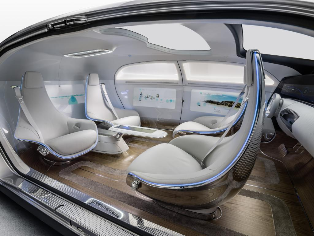 Der Innenraum hat nichts mehr von heutigen Fahrzeugen  Fotos: Daimler