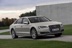 Audi A8 mit neuem Gesicht und innovativer Lichttechnik